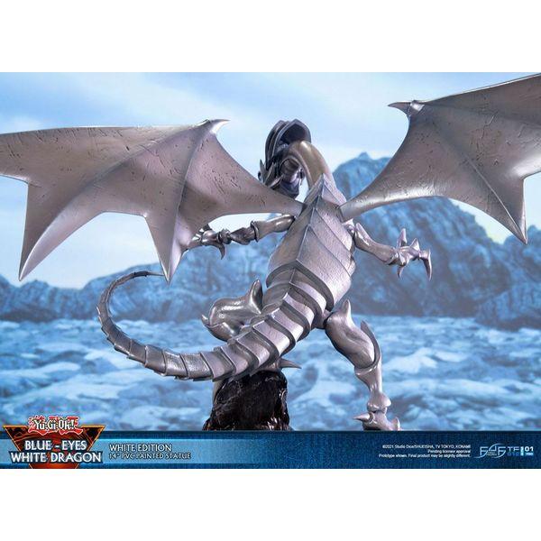 Figura Dragon Blanco de Ojos Azules White Edition Yu-Gi-Oh!