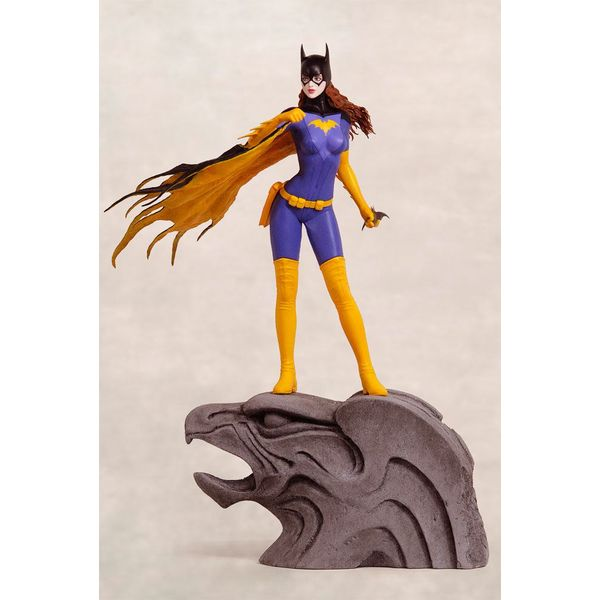 Batgirl by Luis Royo Web Exclusive Statue DC Comics Fantasy Figure Gallery