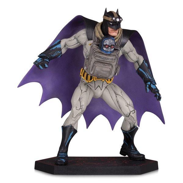 Estatua Batman with Darkseid Baby Dark Nights Metal DC Comics