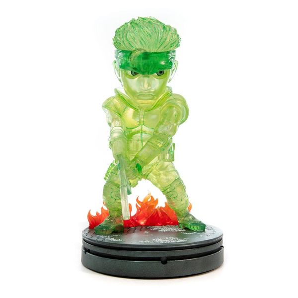 Figura Solid Snake Stealth Camouflage Neon Green SD Metal Gear Solid