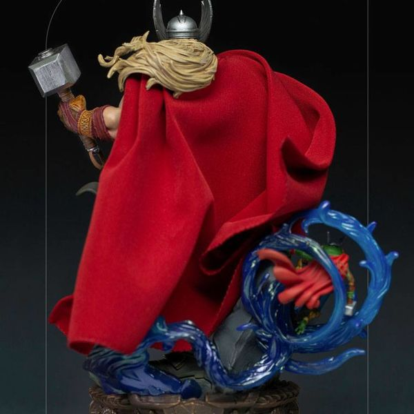 Thor Unleashed Statue Marvel Comics Deluxe Art Scale