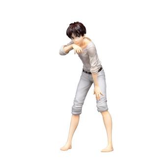 Figura Eren White Ataque a los Titanes