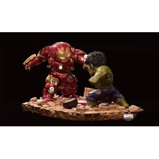 Estatua Hulkbuster vs Hulk Vengadores La Era de Ultron Marvel Egg Attack