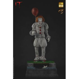Pennywise Statue Stephen King IT Maquette