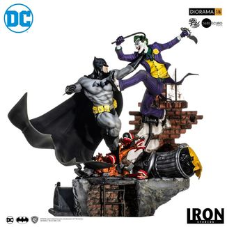 Batman vs Joker Battle by Ivan Reis Statue DC Comics Diorama