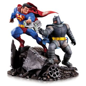Estatua Batman vs Superman Mini Battle DC Comics