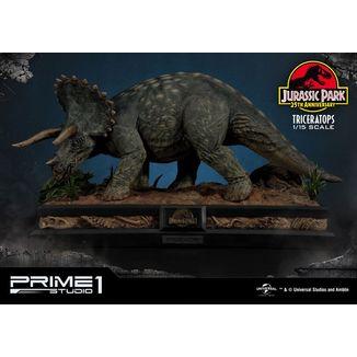 Estatua Triceratops Jurassic Park