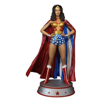 Wonder Woman Cape Variant Statue DC Comics