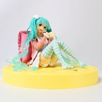 Hatsune Miku Casual Wear Figure Vocaloid