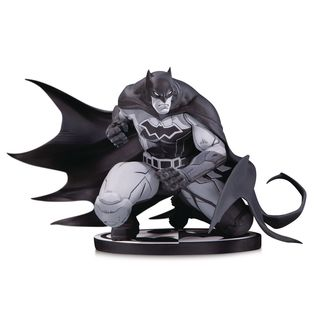 Batman by Joe Madureira Statue Batman Black & White DC Comics