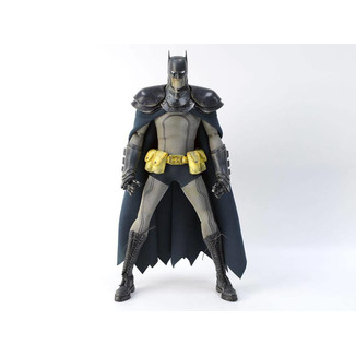 Figura Steel Detective Batman DC Steel Age Light Up DC Comics